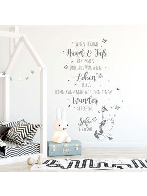 Wandtattoo Babyzimmer Spruch Einhorn Zitat & Schmetterlinge Kinderzimmer Wanddeko Wandgestaltung mit Namen & Datum M2339